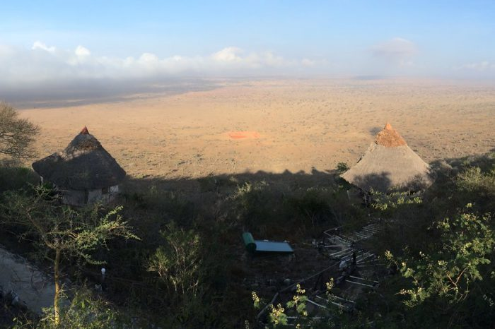 Tsavo East / Lumo conservation area – 3 days, Voi Wildlife Lodge, Lions Bluff Lodge